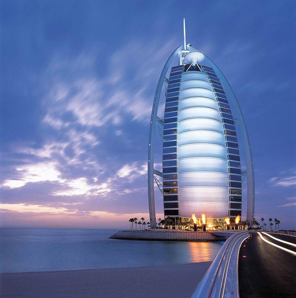 7 star burj al arab dubai - NORMAN FOSTER Un gran ícono de la arquitectura