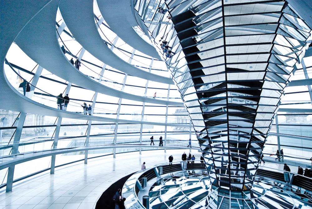 reichstag dome berlin norman foster arquitectura interior - NORMAN FOSTER Un gran ícono de la arquitectura