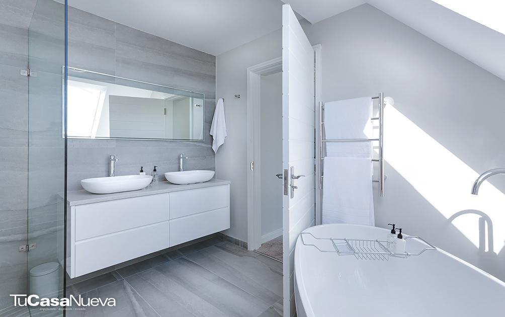modern minimalist bathroom 3115450 - Un baño que despierte tus sentidos